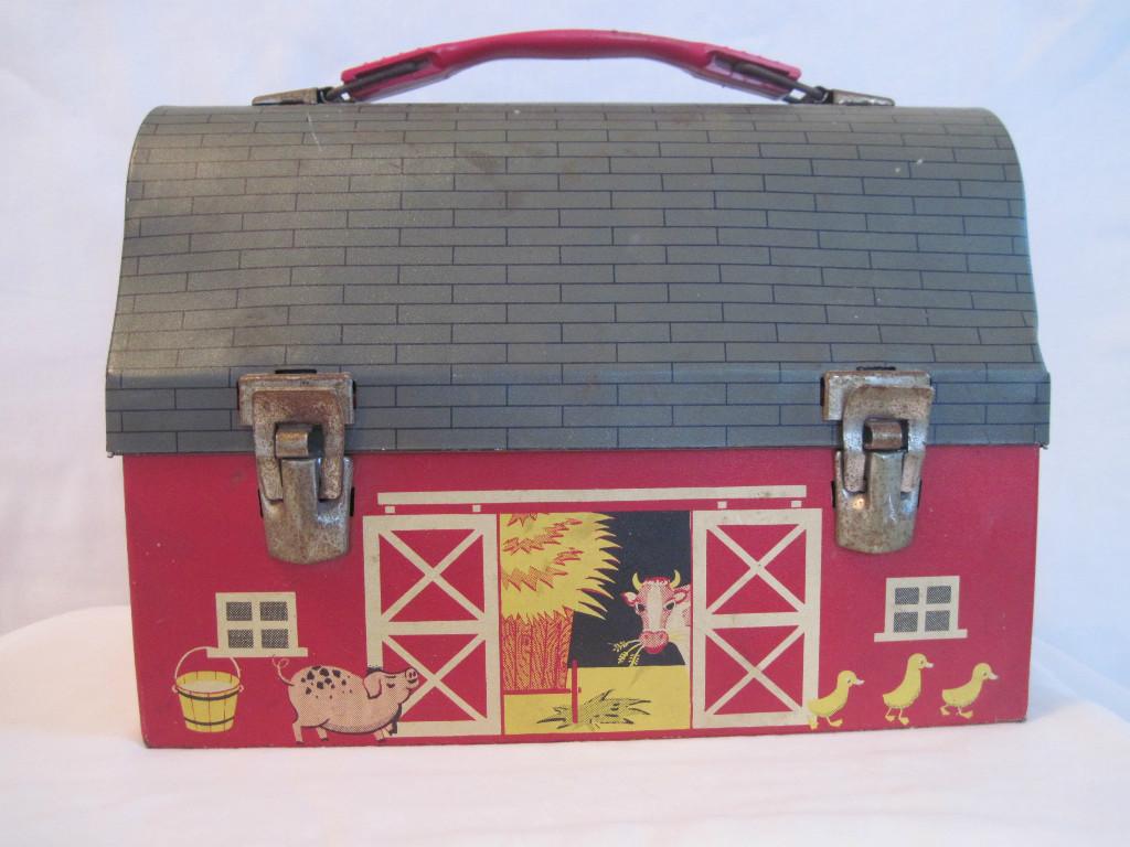 1960-Red-Barn1 lunch box