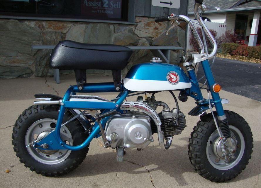 Honda-Mini-Trail-Z50-Right-Side